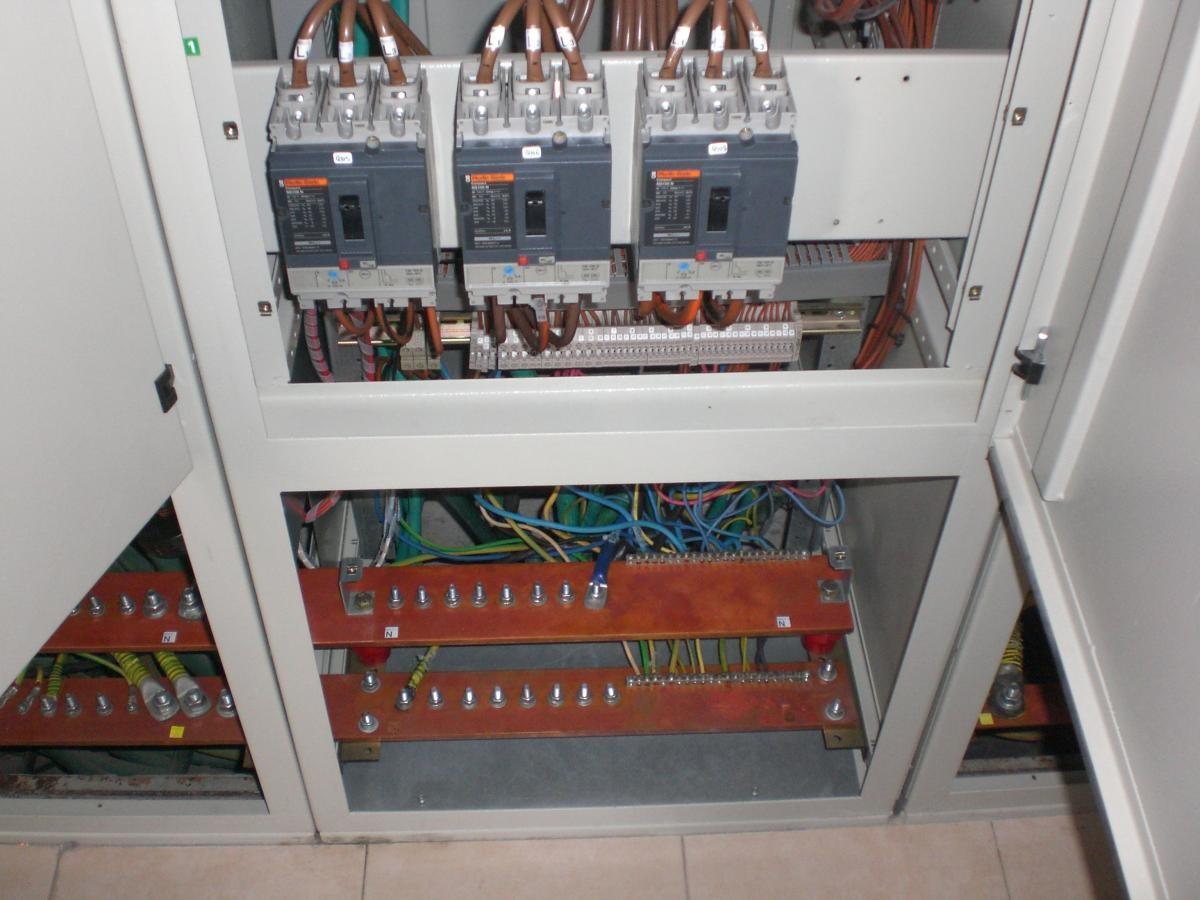 לוחות חשמל -1
