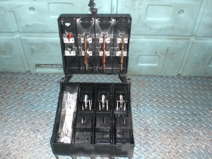 לוחות חשמל 7