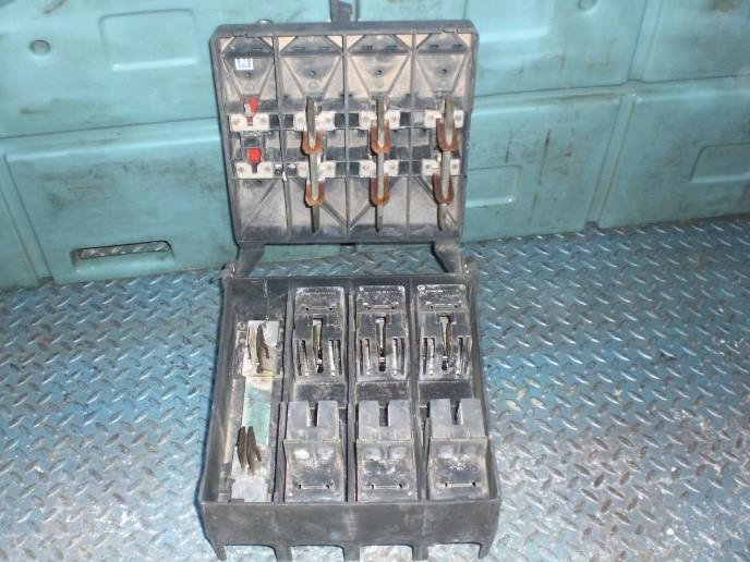 לוחות חשמל 8